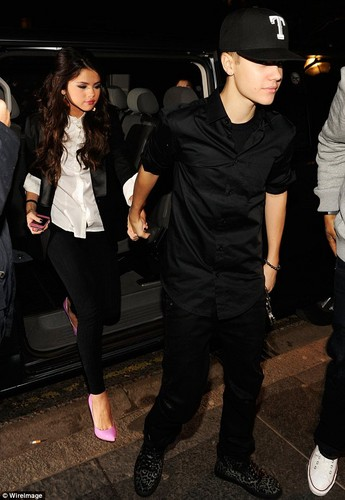 justin and selena belfast hotel