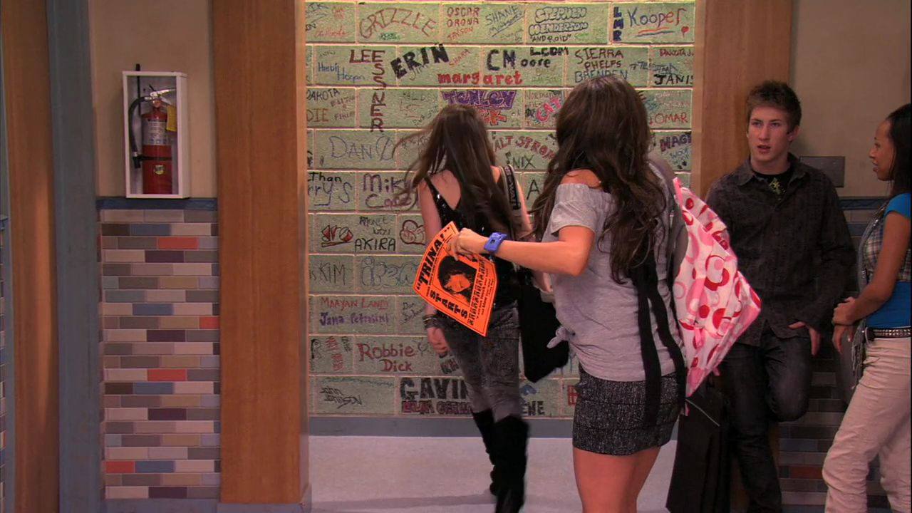 Jade Dumps Beck' - 1x05 - Victorious Image (26764070) - Fanpop Victorious Beck And Cat Kiss
