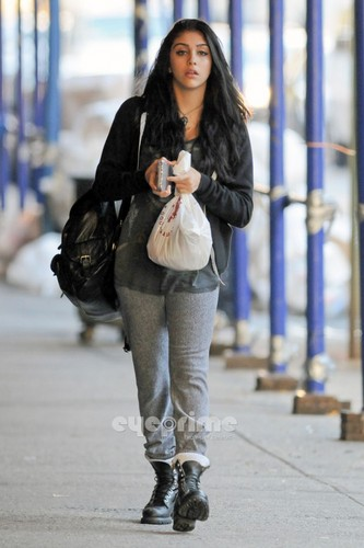 Lourdes Ciccone Leon wallpaper with a street called Lourdes Leon spotted out in New York, Nov 9