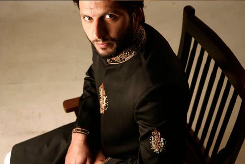 Shahid Afridi wolpeyper entitled ....