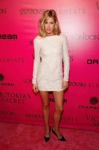 2011 Victoria's Secret Fashion Zeigen - After Party