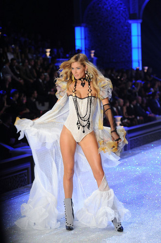 2011 Victoria's Secret Fashion hiển thị - hiển thị Time