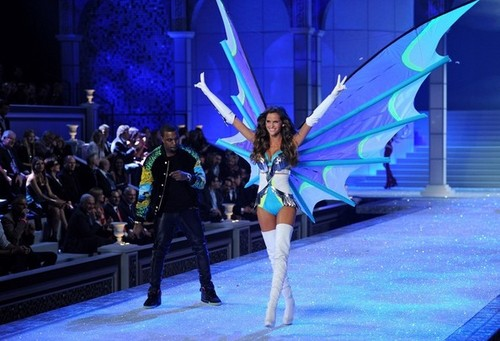 2011 Victoria's Secret Fashion onyesha - onyesha Time