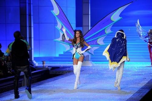 2011 Victoria's Secret Fashion toon - toon Time