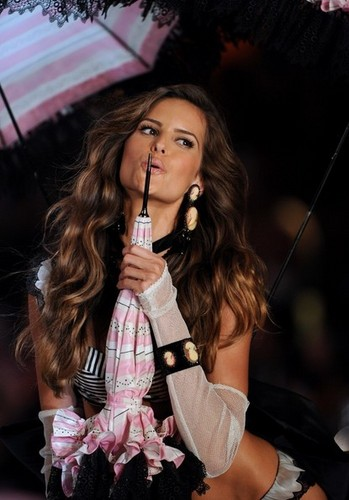 2011 Victoria's Secret Fashion دکھائیں - دکھائیں Time