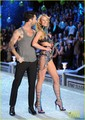 Adam Levine &amp; Anne V - Victoria's Secret Fashion Show 2011 - adam-levine photo