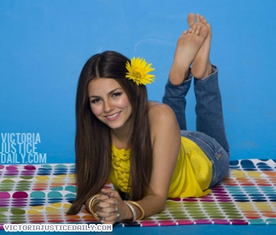 Victoria Justice wallpaper titled Bop/Tiger Beat