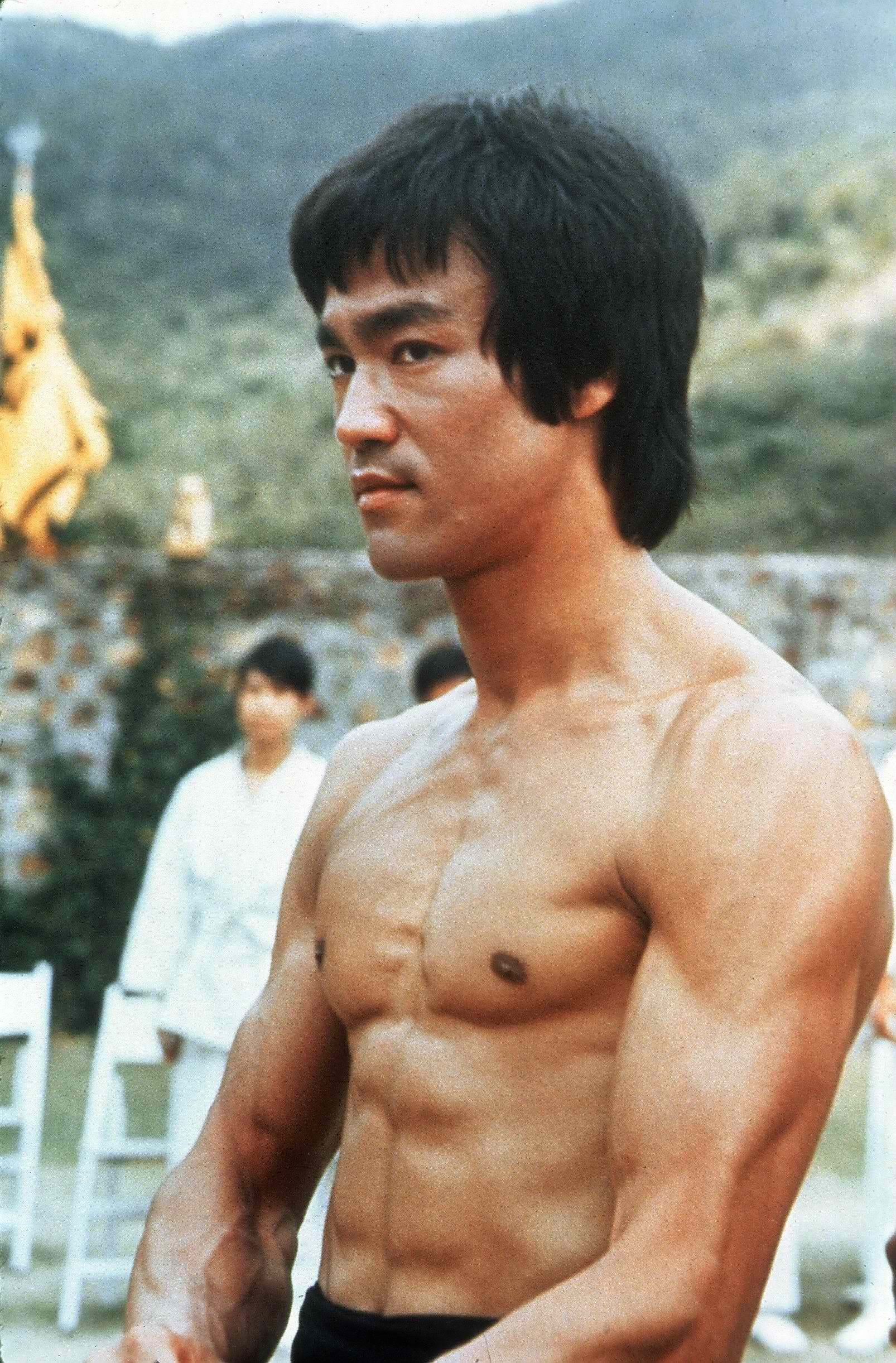 bruce lee assertiveness essay 19 quotes from striking thoughts: bruce lee's wisdom for daily living: 'don't fear failure — not failure, but low aim, is the crime in great attempts i.
