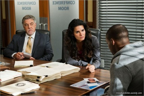 Episode 2.11 - Can I Get a Witness - Promotional foto
