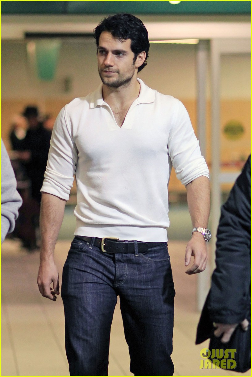 Henry-Cavill-Back-to-Canada-for-Man-of-S