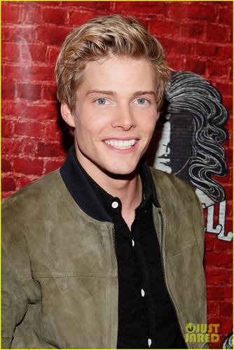 Hunter Parrish: 'Godspell' Opening Night! - hottest-actors Photo