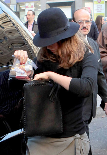 Jessica - En route to the airport in New York - November 09, 2011