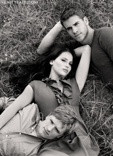 Josh, Liam &amp; Jennifer - the-hunger-games-movie Photo