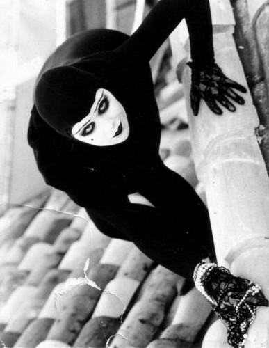 Les Вампиры (1915)