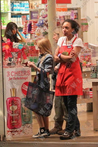 Lily-rose Melody Depp in L.A. California 11.08.2011