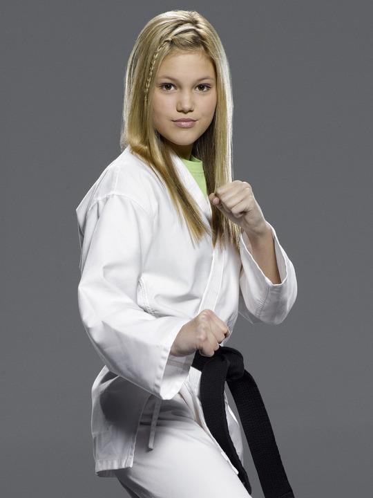 Olivia Holt Kickin' It Kim