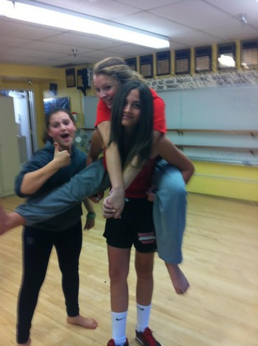 Paris in dance class with friends