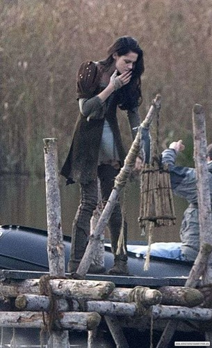 Snow White & the Huntsman: On the Set - Surrey, UK. [November 10, 2011]
