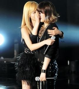 Sunny & Taeyeon (SunYeon)