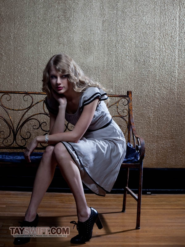 Homepage Newspaper: Taylor Swift Photo Shoot For The Independent Newspaper