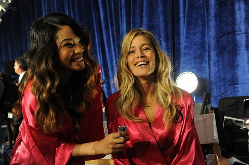Victoria's Secret Fashion Zeigen 2011 - Backstage