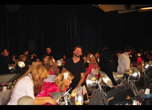 Victoria's Secret Fashion 显示 2011 - Backstage