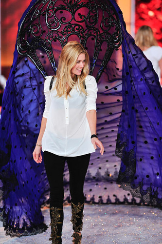 Victoria's Secret Fashion دکھائیں 2011 - Rehearsal