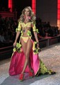 Victoria's Secret Fashion Show 2011 - Runway