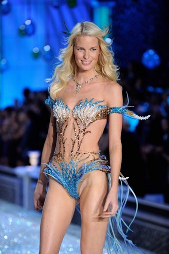 vsfs'11. Segment 4: Aquatic Angels