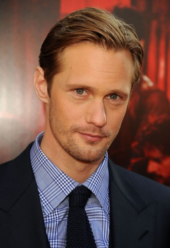 Alexander Skarsgård 壁纸 containing a business suit and a suit entitled ▲Alexander▲