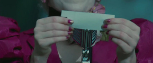 &#39;The Hunger Games&#39; trailer - effie-trinket Screencap