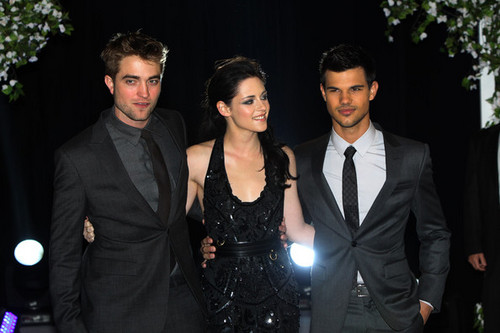 'The Twilight Saga: Breaking Dawn Part 1' London Premiere [16.11.11]