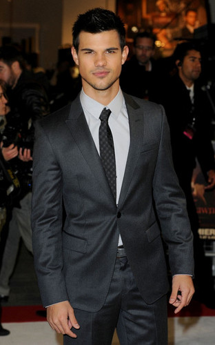 'The Twilight Saga: Breaking Dawn Part 1' 런던 Premiere [16.11.11]