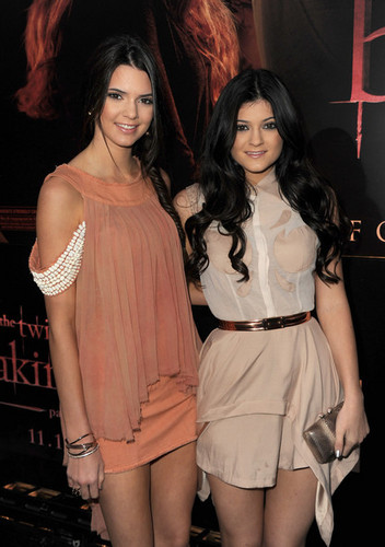 'The Twilight Saga: Breaking Dawn Part 1' Los Angeles Premiere [14.11.11] - kendall-jenner Photo