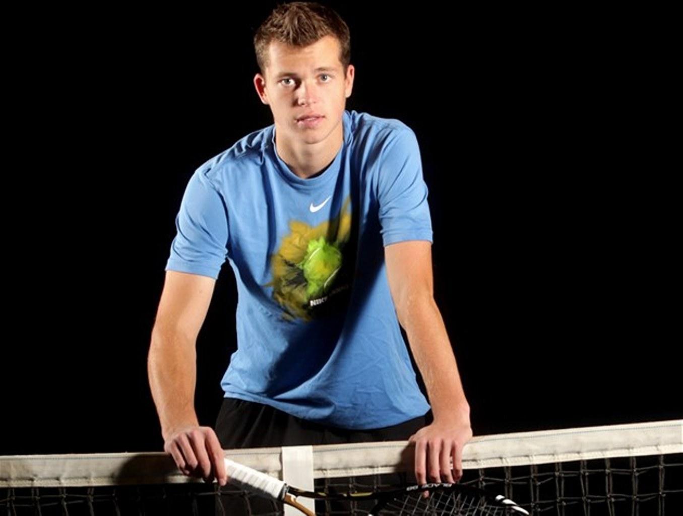 Теннис адам павласек