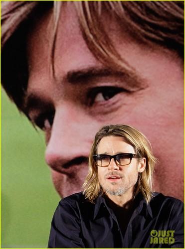 Brad Pitt: 'Moneyball' Press Conference in Seoul!