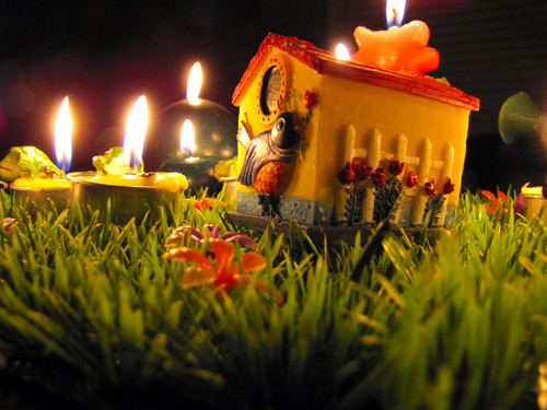 Cartoon Snails Candle arrangement