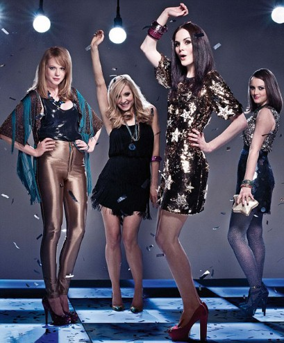 http://images5.fanpop.com/image/photos/26800000/Downton-Abbey-girls-downton-abbey-26830558-409-494.jpg
