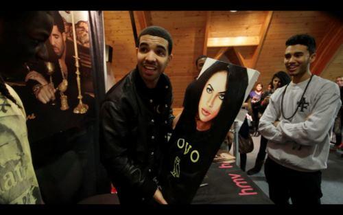 canard, drake holding Aaliyah picture