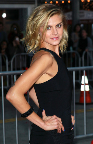 Eliza Coupe @ the Premiere of 'What's Your Number?'