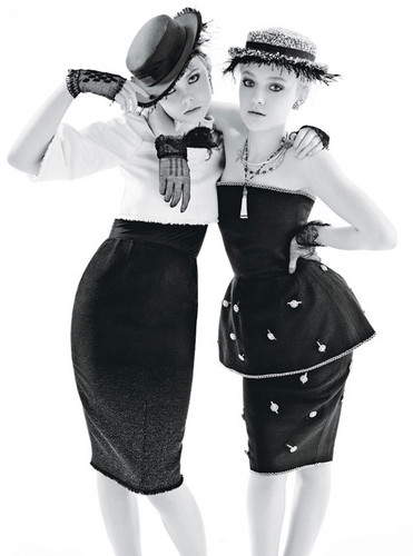 Elle & Dakota Fanning sejak Mario Sorrenti for 'W Magazine'
