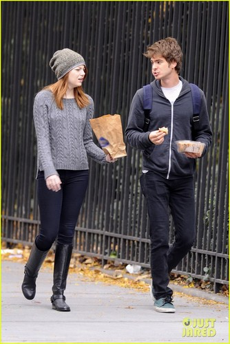Emma Stone & Andrew Garfield: New York Stroll!