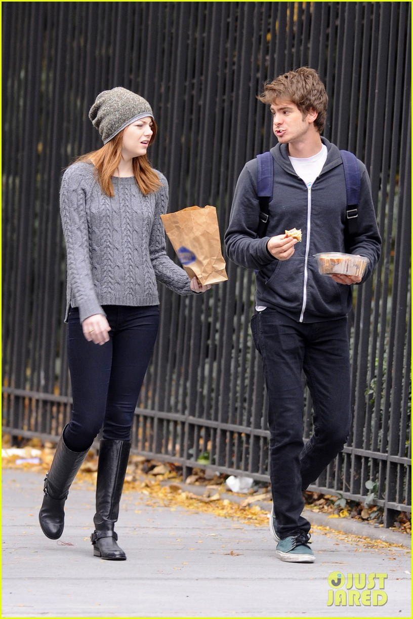 who is andrew garfield dating The internet is latching onto rumors that the amazing spider-man couple andrew garfield and emma stone may have rekindled their.
