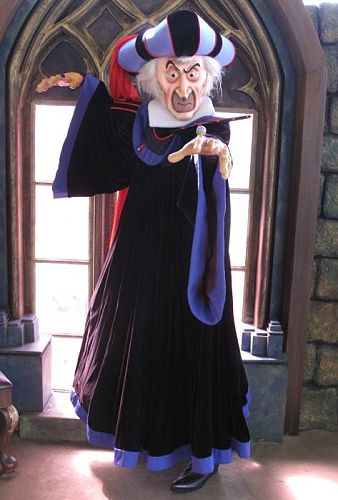 Frollo in Disneyland Paris