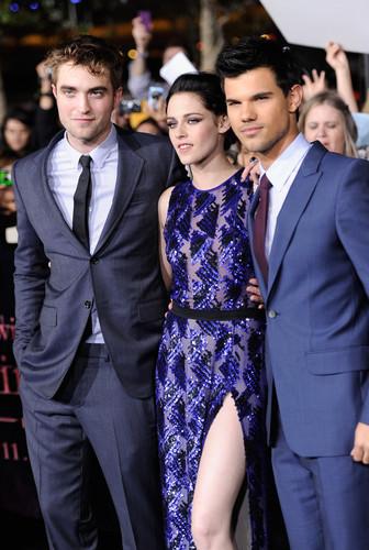 HQ 'The Twilight Saga: Breaking Dawn Part 1' Los Angeles Premiere [14.11.11]