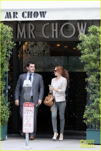 Isla Firsher Sopping in MR. Chow (November 15) in Beverly Hills
