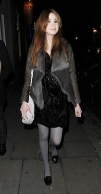 Karen Gillan candid Лондон - Nov 2011
