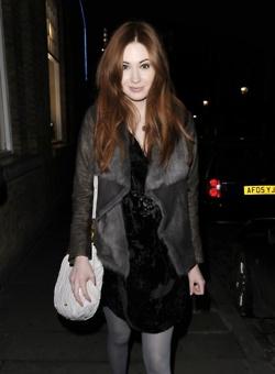 Karen Gillan candid Londra - Nov 2011
