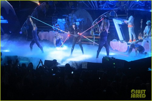 Katy Perry: Madison Square Garden Sold-Out Concert!