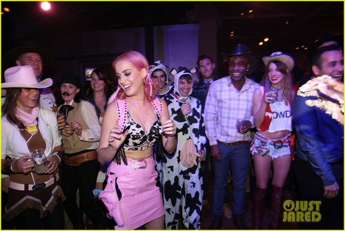 Katy Perry : Wild West Birthday Ho Down Throwdown!